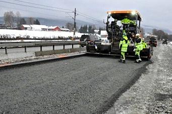 Skal legge asfalt - dersom mildværet fortsetter