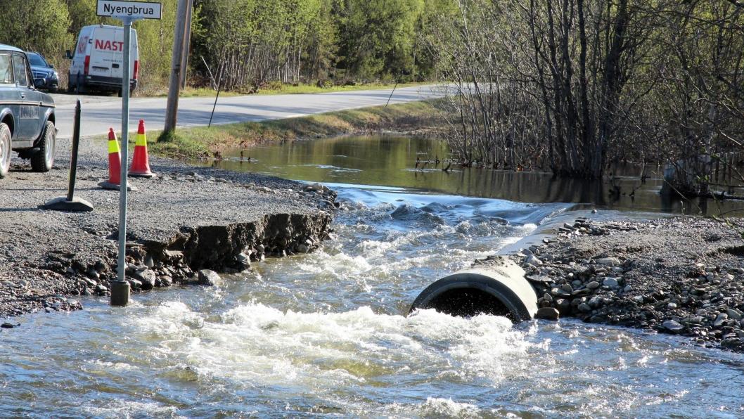 Flom i små nedbørfelt er et økende problem for infrastruktur ved veier og jernbane.