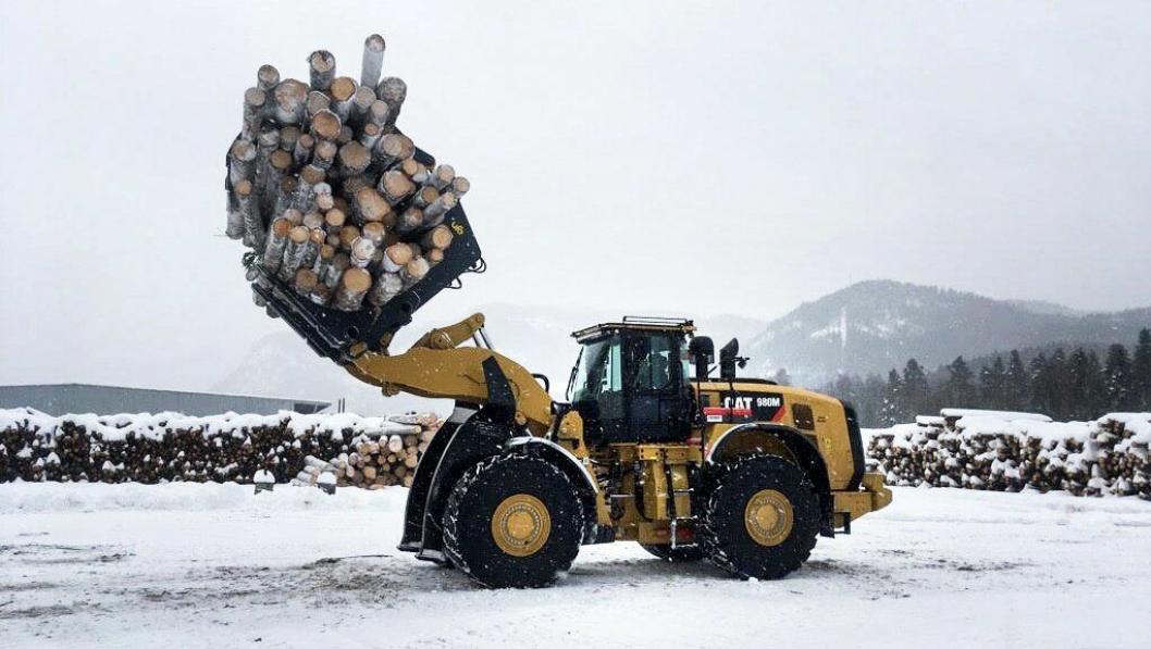 Cat 980M Logger levert av Pon Equipment til Begna Bruk. Som «Logger» har maskinen blant annet en optimalisert geometri i tiltlink og større løftesylindre fra fabrikk.