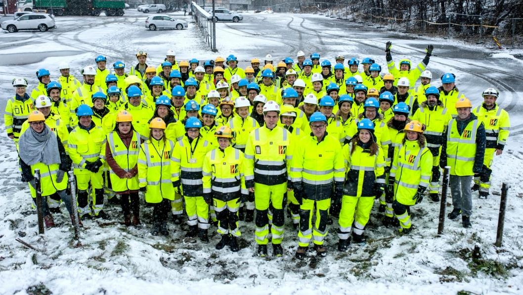 Bane Nors prosjektorganisasjon i Moss og hovedentreprenør MossIA er nå i gang med hovedarbeidene for nytt dobbeltspor gjennom Moss. I denne anledningen ble det tatt et gruppebilde med de involverte.