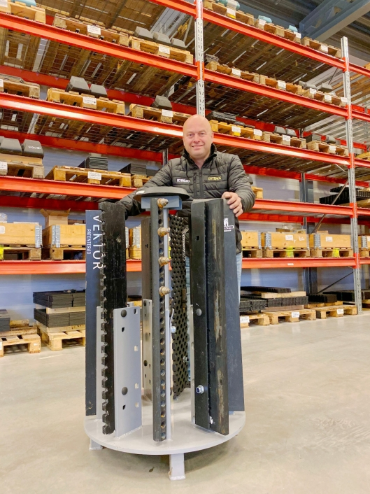 VEKTOR: Haug har selv vært med på utviklingen av Vektor, et isrivende hardmetall.