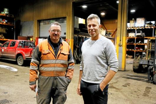 GRUVEFOLK: Sikkerhetsinspektør Svein Jonny Albrigtsen (t.v.) har vokst opp på Svalbard, mens gruvesjef Per Nilssen «bare» har 26 år bak seg i Svalbard-gruvene.