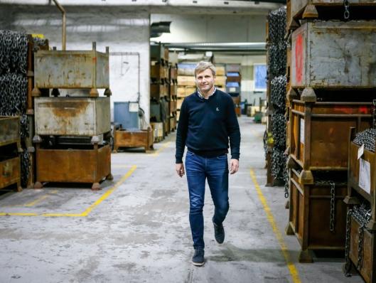 HØY ANDEL: Markedssjef i Nøsted, Kjetil Aukland kan konstatere at 70 prosent av transportkjettingen de produserer selges i Canada og USA.