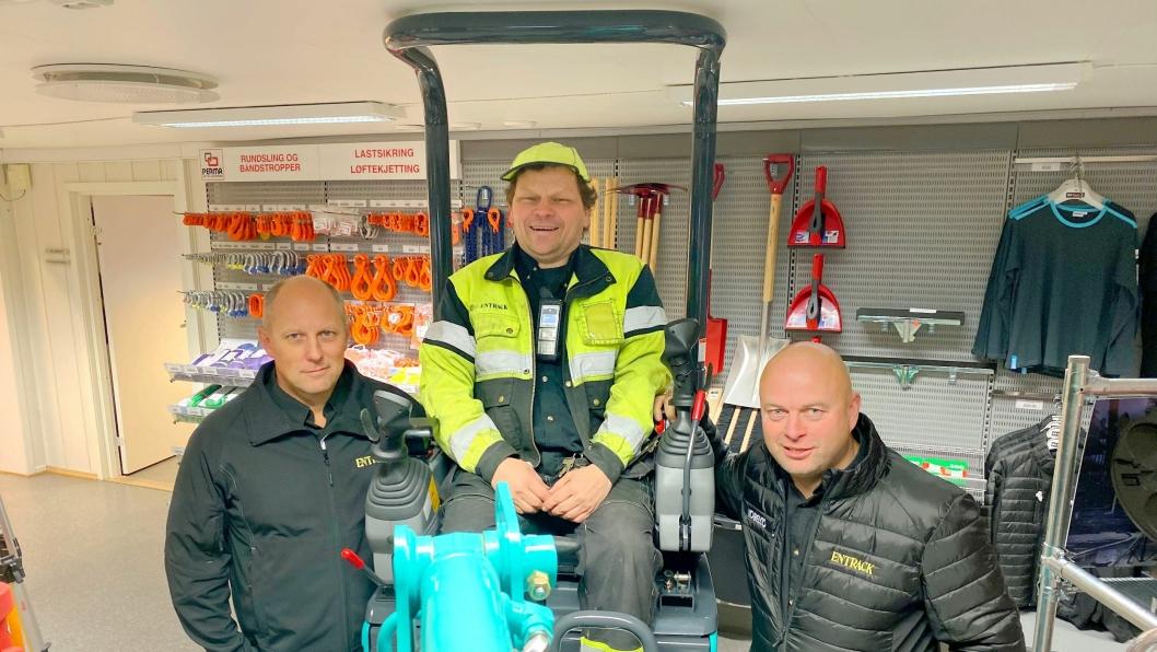 KJERNEN: Å ha ansatte med enorm kompetanse og dedikasjon til jobben er helt avgjørende for Entrack sin suksess. Trioen Per Ole Hveberg, Tor Arne Hammer og Herbjørn C. Haug har nesten 100 års erfaring samlet. Da er kundene sikret gode råd.