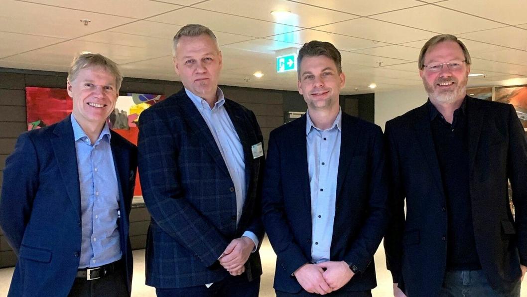 Fra venstre: Ole-Petter Thunes (Rambøll), Olav Lahus (Rambøll), Rasmus Nord (Sweco AS) og Rune Hovda (Civil Management AS) var tilstede på signeringen av rammeavtalen.