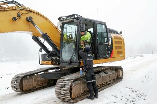 Politiet sjekker hva som er borte fra maskinen til Stefan Blomberg.