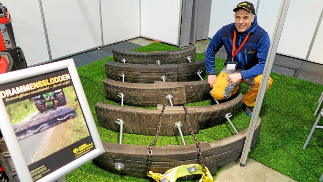 LØYPELAGER: Den nye ATV-slodden som brukes for vedlikehold av skogstier og gårdsveier, har vist seg å være effektiv også for å lage skiløyper, sier Asbjørn Berger.
