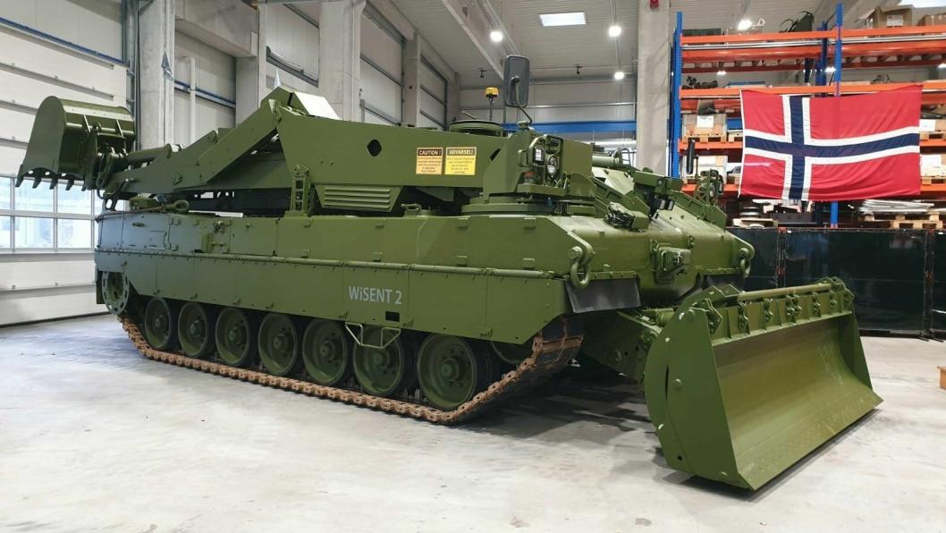Forsvarsmateriell fikk den første av seks nye ingeniørpanservogner til Rena i desember. Der skal de i gang med opplæring.