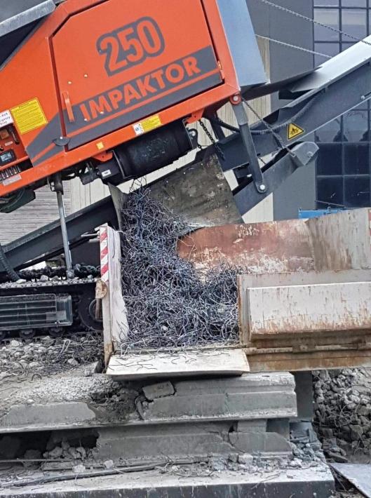 Separert stål etter kverning av hulldekke.