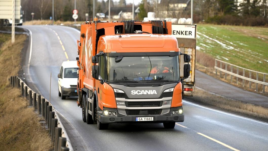 I løpet av 2019  og frem til mars 2020 får NordRen AS levert 50 nye Scania L-serie renovasjonsbiler. Både på biogass (bildet) og på diesel.