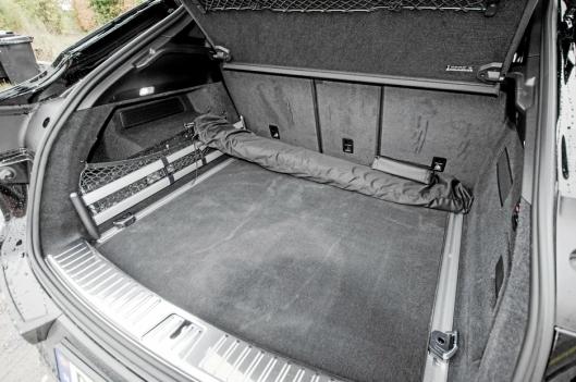 Bagasjerommet er stort, men det er ikke så god mulighet til å laste i høyden.