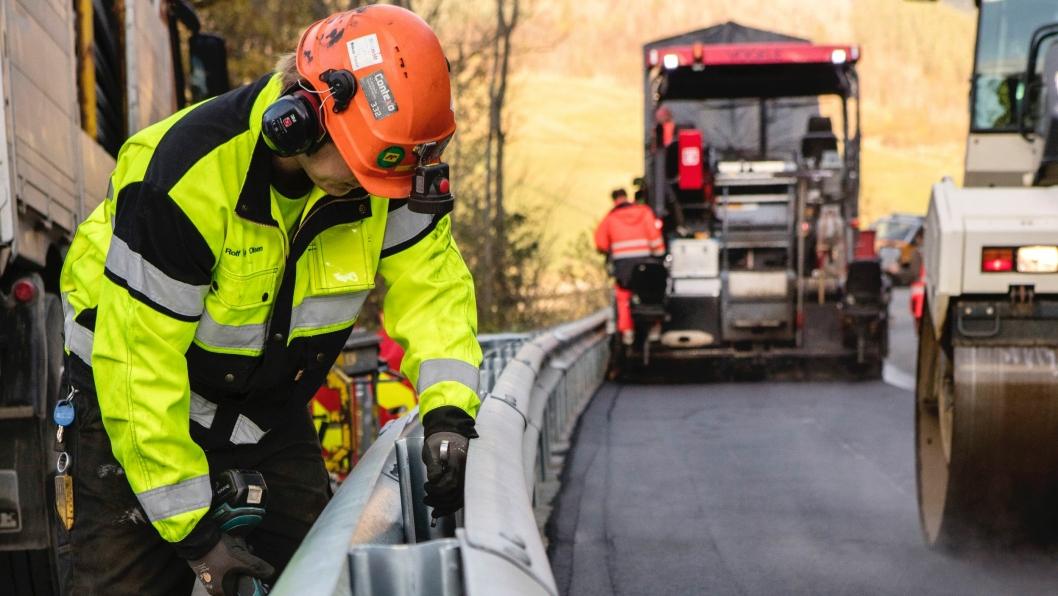 Trafikksikkerhetsforeningen ønsker at det innføres krav om kompetanse for montering av rekkverk.