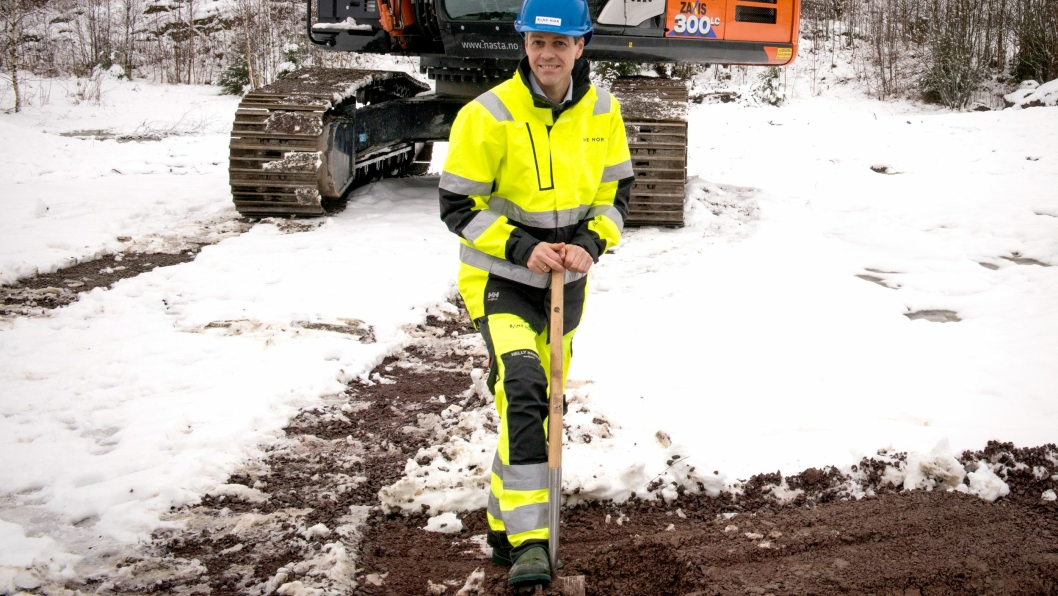 Samferdselsminister Knut Arild Hareide hadde fredag 31. januar 2020 sitt første reelle oppdrag som samferdselsminister, da han tok første spadetak for nytt dobbeltspor Nykirke-Barkåker.