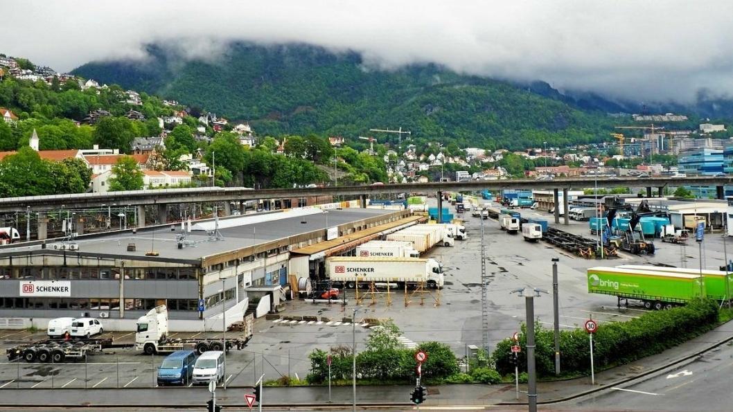 Bane Nor har gitt beskjed til PostNord og Schenker om at de må flytte ut fra terminalområdet på Nygårdstangen i løpet av to år.