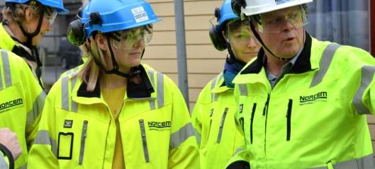 Olje- og Energiminister Tina Bru på Norcem-besøk