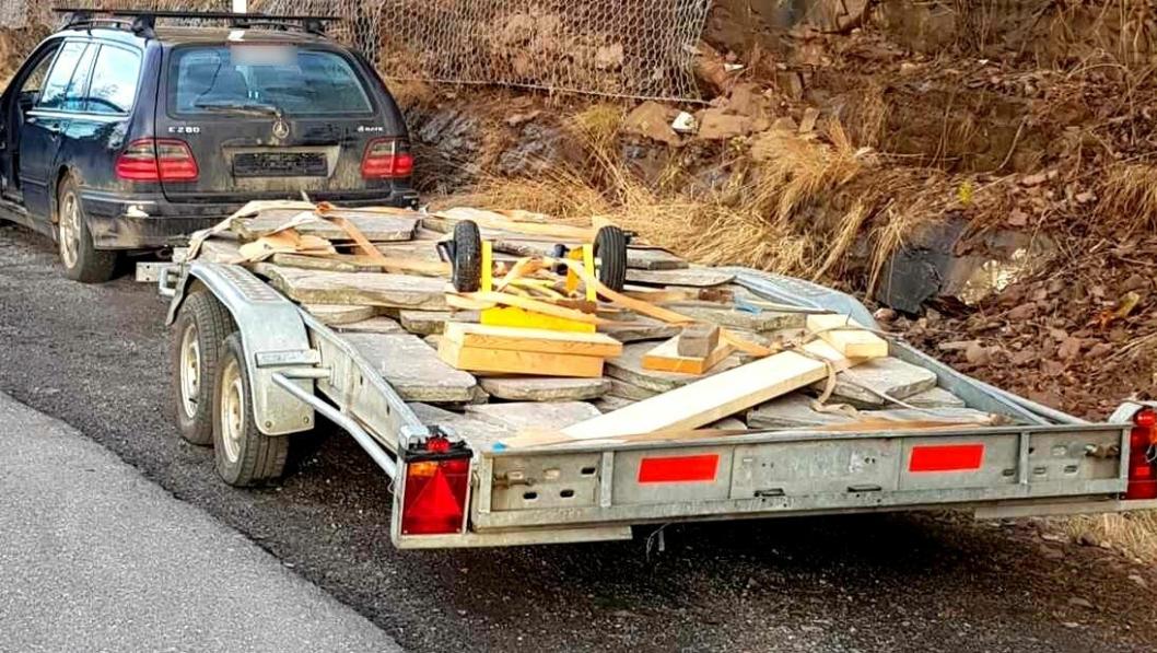 Denne transporten ble stoppet på Sollihøgda, og avskiltet, på grunn av den mengde mangler. Sjåføren ble anmeldt.