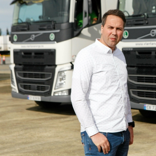 Styreleder i Vlantana Norge AS, Vladas Stoncius jr., mener at selskapet nå oppfyller alle krav til drift i Norge, men forteller at selskapet som følge av bråket har mistet viktige kontrakter og at det gjør det umulig å fortsette driften i Norge.