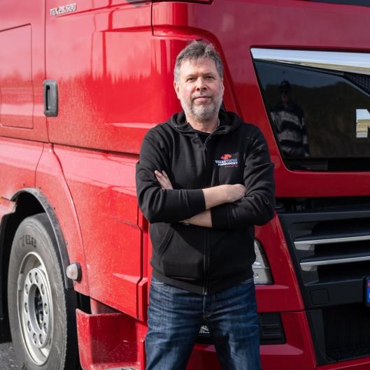 Forbundsleder i Yrkestrafikkforbundet (YTF) Jim Klungnes er bekymret for utviklingen i bransjen.