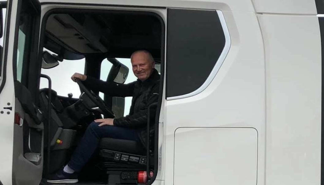 En epoke er over for Atle Olav Larsen som etter 36 år overlater førersetet i Orkla Shipping & Trading til yngre krefter 1. mars.