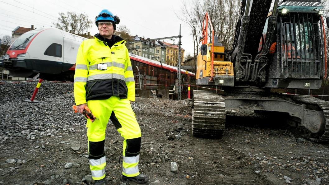Konsernsjef i Bane Nor, Gorm Frimannslund, skal lede en stor forandring i Bane Nor i år og kommende år for å flytte penger fra administrasjon til bygging og vedlikehold av sporene.