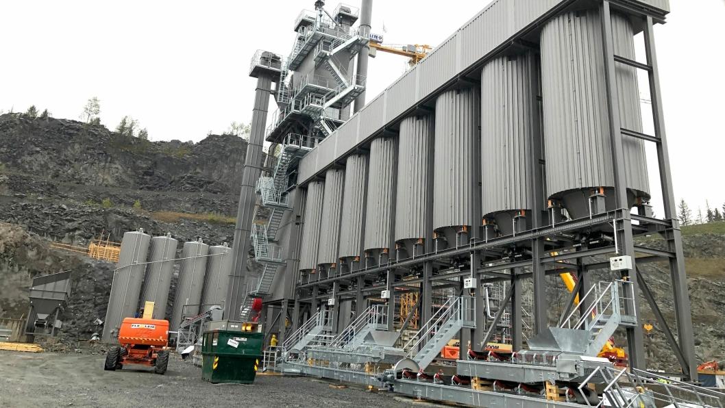 Den nye asfaltfabrikken på Rugsland ved Kristiansand skal i likhet med NCCs forrige fabrikk-investering, på Steinskogen i Bærum (bildet), være topp moderne og ha god kapasitet til å produsere asfalt med betydelig lavere CO2-utslipp enn den gamle.
