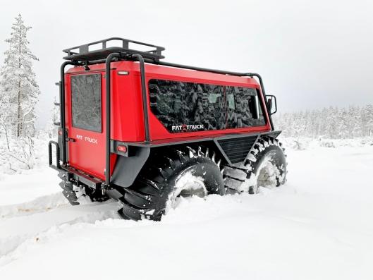 «FLYTER»: 2,2-tonneren «flyter» elegant gjennom snøen.