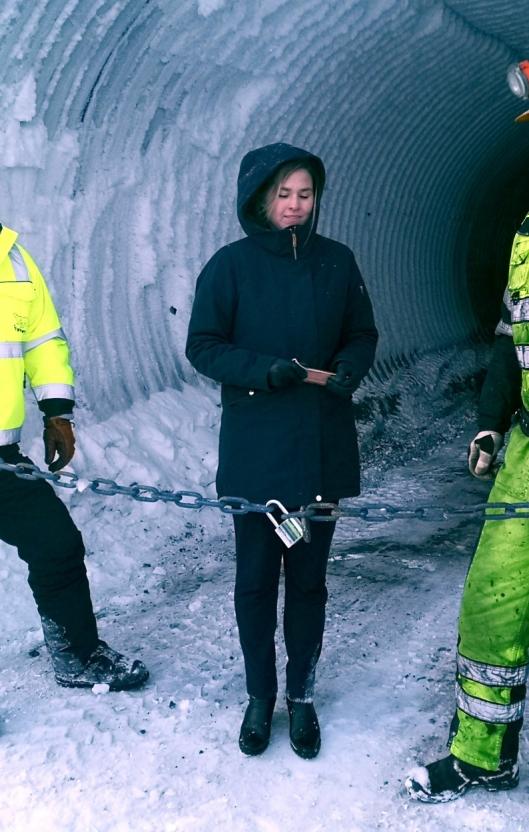Svea Nord Gruve ble offisielt stengt av Statssekretær Lucie Katrine Sunde -Eiden, Nærings- og fiskeridepartementet.