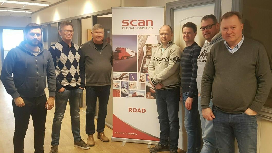 Scan Global Logistics har etablert et slagkraftig road-team i Drammen. Fra venstre: Daniel Henriksen, Roger Jørgensen, Yngve Aasmundrud, Brede Stubberud, Martin Espenæs, Lars Stian Tyholdt, Bjørn Nyvold. Stian Alsaker-Nøstdahl, Berit Rajala og Marzena Porzycka var ikke tilstede da bildet ble tatt.
