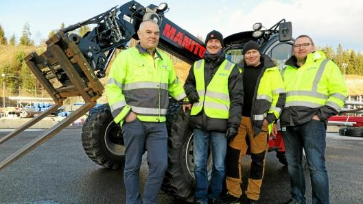 Vellykket overrekkelse og opplæring slår dette firkløveret fast. Fra venstre: Hans Arthur Sandum, Thor Tveter (Hesselberg), Tor Øyvind Pettersen og Thomas Ødegård.