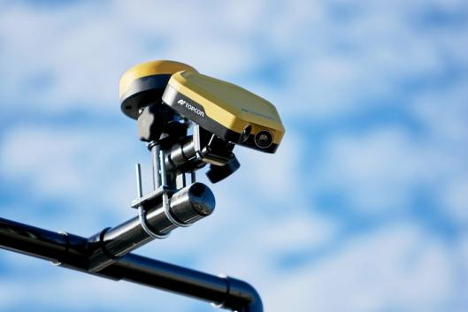 KAMERA: Topcons termiske kamera leser og rapporterer hvordan temperaturen på asfalten er etter at den er lagt ut.