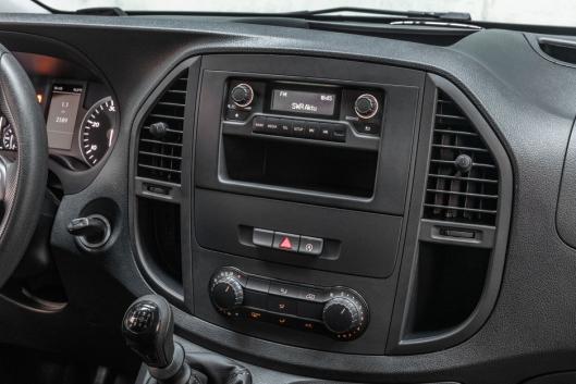 Også den minste radioen Audio 10 har nå DAB+ og Bluetooth for handsfree og musikkstrømming.
