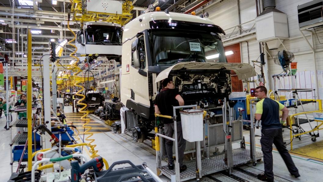 FULL STOPP: Renault er første lastebilprodusent i Europa som har valgt å stenge sin produksjon for å stoppe utbredelsen av koronaviruset Covid-19.