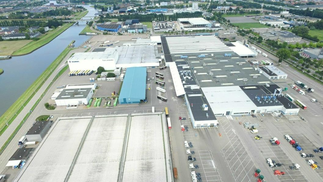 Scania stopper produksjonen ved sine anlegg i Sverige, Nederland og Frankrike. Bildet er av fabrikken i Zwolle i Nederland.