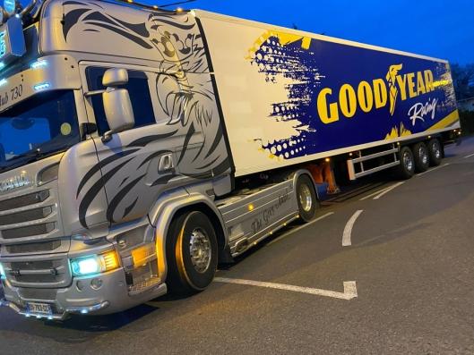 Transport av dekk for GoodYear til de franske bilfabrikkene har stoppet helt opp. Dette var siste turen til Fabien inntil videre.