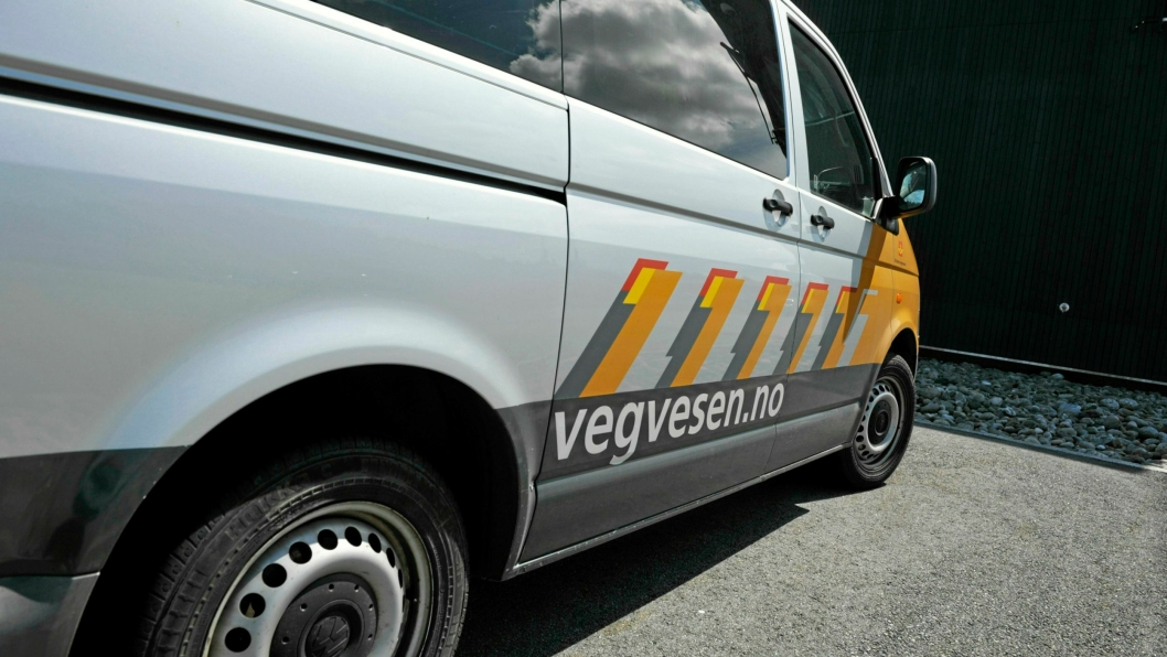 Statens vegvesen har anmeldt sju sjåfører i et transportfirma, og firmaet.