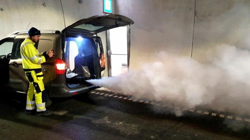 I forrige uke ble det utført viktige røyktester i tunnelene på E134 Damåsen-Saggrenda.
