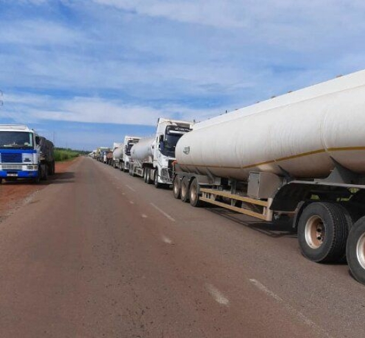 Flere av de mange tusen vogntogene frakter farlig. gods.