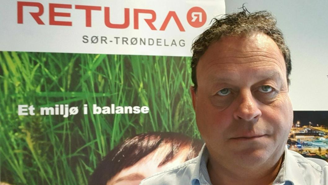 - Alt det vi driver med er logistikk. Sammen med våre samarbeidspartnere tar vi på oss de fleste transportoppdrag innen avfallshåndtering, forteller nyansatt Retura-sjef i Midt-Norge, Fredrik Evjen.