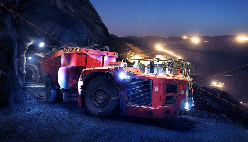 Selvkjørende gruvedumpere med OptiMine kan transportere både over og under jord på samme tur.