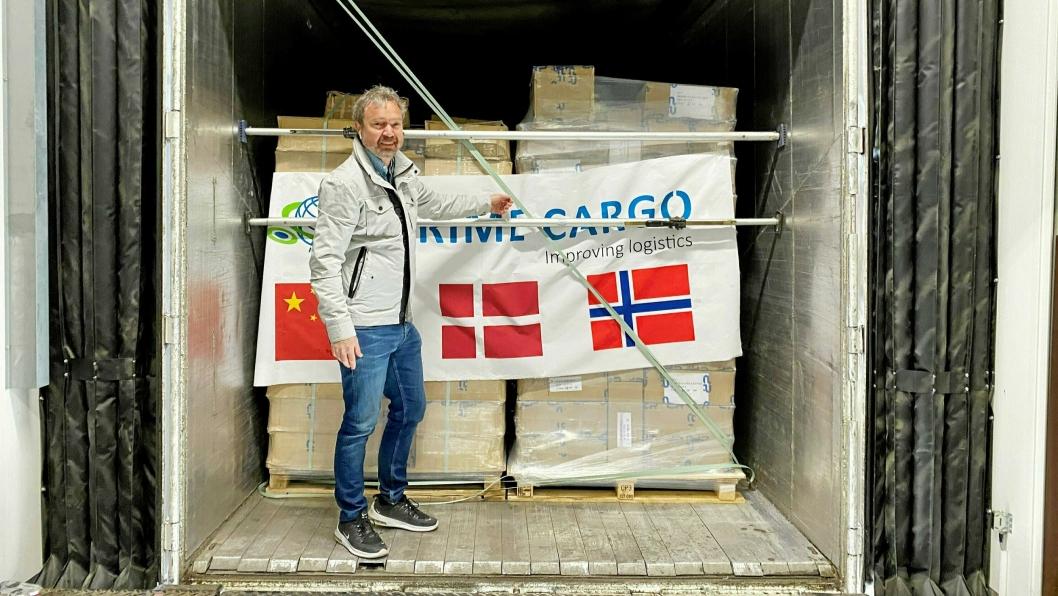 Forretningsutvikler Vegard Kristiansen forteller at Prime Cargo allerede forbereder en ny biltur fra Kina med håndsprit.
