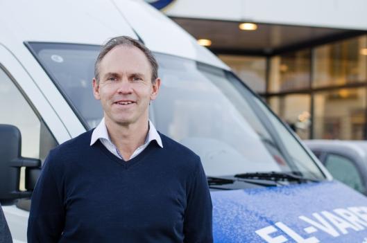 -Vi skal selge biler på tradisjonelt vis sier Frank Dunvold, administrerende direktør i RAS.