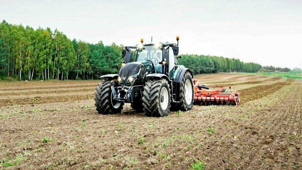 Valtra og finske Elisa utvikler en 5G-løsning som gjør det mulig å fjernstyre traktorer.