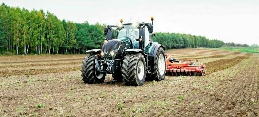 Utvikler fjernstyrt traktor