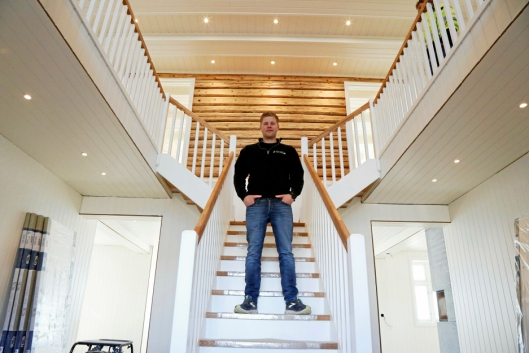 RÅTT: Huset som Lars Kristian Olberg setter i stand er rundt 150 år gammelt og blir litt av et hus!