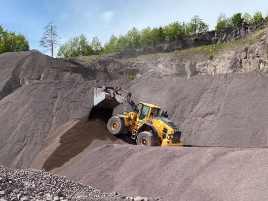 UVANLIG: Store hjullastere, som denne 21-tonneren fra Volvo, er en uvanlig maskin å finne som utleiemaskin.