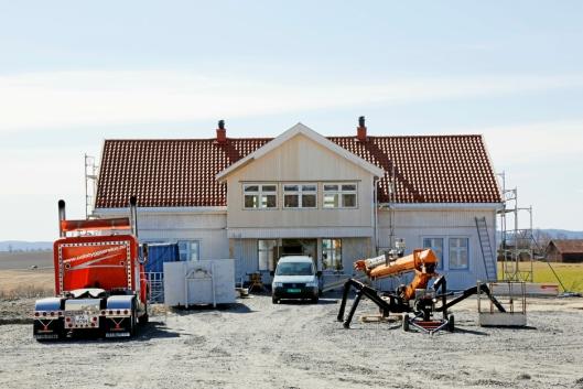 GÅRD: Huset som pusses opp er barndomshjemmet til mamma Anne Gunn og ligger på Kløfta.