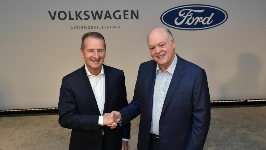 Volkswagen CEO Dr. Herbert Diess og Ford President og CEO Jim Hackett.