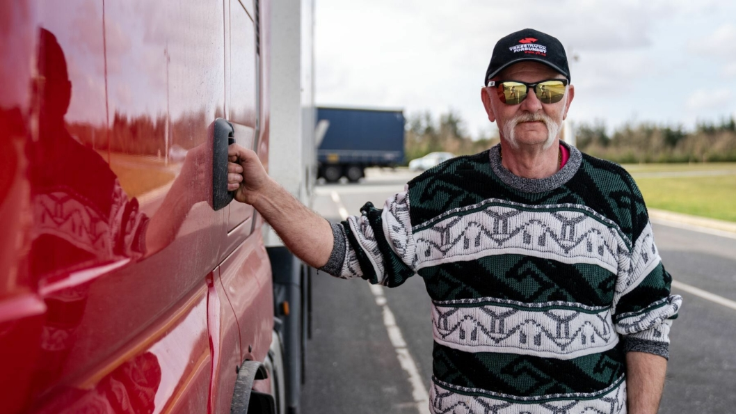 Jan Arne Laberget, leder for YTF Logistikk, ber yrkessjåførene holde hodet kaldt i møte med den forventede store campingturismen i Norge denne sommeren.