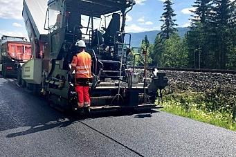 Tester asfalt tilsatt fiber