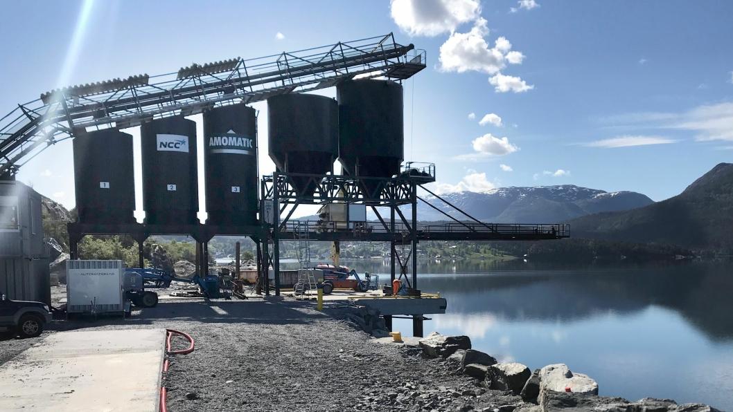 NCCs asfaltfabrikk i Eikefjord har nettopp startet opp asfaltproduksjonen.